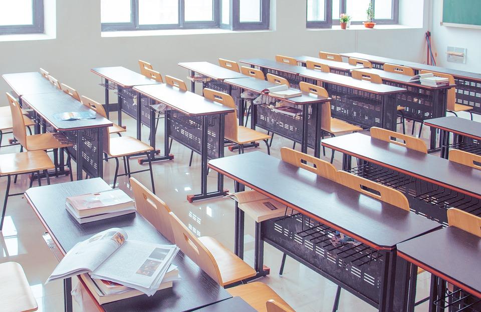 Meble szkolne - fot. pixabay.com